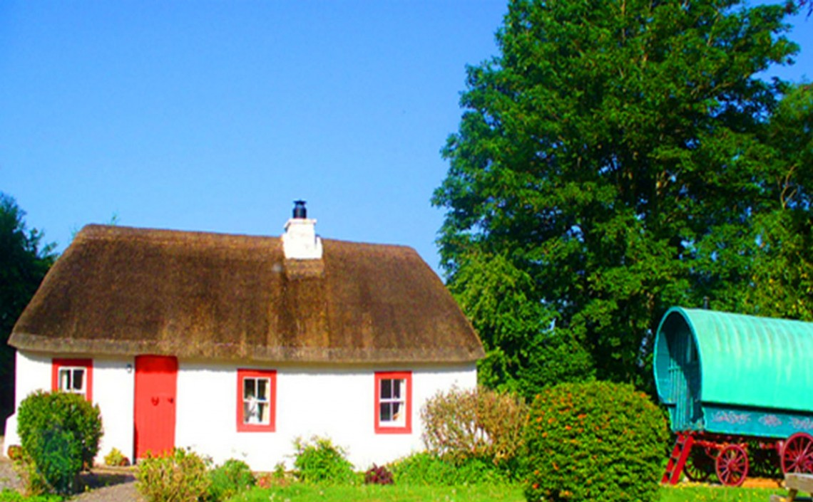 roof old honeymoon cottages pin thatched ireland whitewashed cottage with irish
