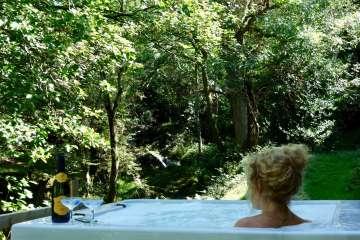 Melin Argoed (& hot tub)