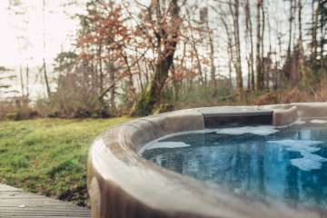 The Hideaway (with Hot Tub)
