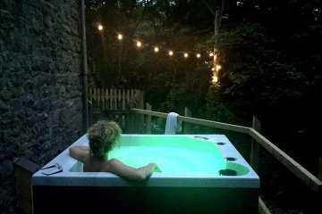 Melin Argoed (with hot tub)