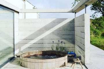 Tŷ Barddu + 'hot tub'
