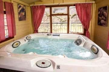 Aeron Bach (& hot tub)